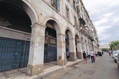 En forntida del av den gamla staden av Algeriet som kallas casbah (kasabaen) Den gamla staden är 122 metrar (400 ft) abov Arkivfoton