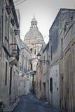En forntida kyrka i Malta Arkivbild