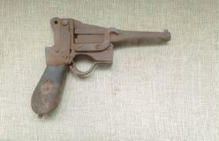 En forntida pistol Royaltyfri Fotografi