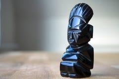 En forntida statyett för Aztec Obsidian Royaltyfri Bild