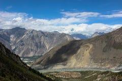 En framsida för kvinna` s på berget i den Nagar dalen Pakistan Royaltyfri Foto