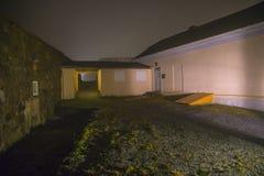 En fredriksten la fortaleza en la niebla y la oscuridad Fotografía de archivo
