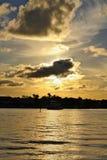 En fridsam, härlig australisk solnedgång royaltyfri bild