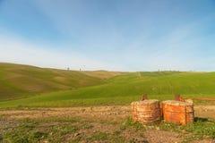 En gå i den Tuscany naturen Royaltyfri Fotografi