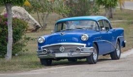 En gamla Buick i Kuba royaltyfri bild