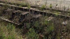 En gammal övergiven järnväg lager videofilmer