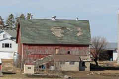 En gammal Abandonded ladugård Arkivbild