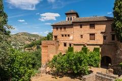 En gammal byggnad på La Alhambra, Granada, Andalusia, Spanien Arkivbilder