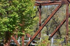 En gammal järnvägsäng Arkivfoton