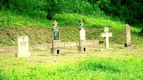 En gammal kristen kyrkogård stock video