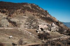 En gammal kyrka i Armenien arkivfoton