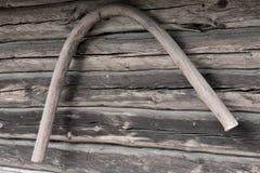 En gammal pilbåge av en vagn Arkivfoton