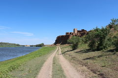 En gammal slott i astrakanstäpp Arkivbild