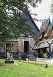 En gammal svart tempel i Chiangrai, Thailand Fotografering för Bildbyråer