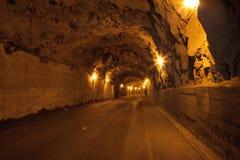 En gammal tunnel för bilar på madeira Royaltyfri Bild
