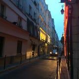 En gata i Paris Royaltyfri Fotografi
