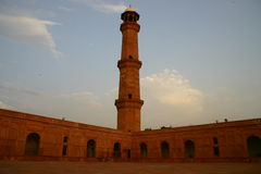 Badshai moské (konungmoské) av Lahore Royaltyfri Foto