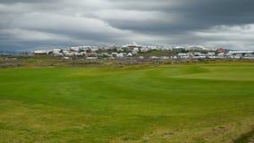 En golfbana i Island stock video