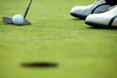 En golfklubb på en golfbana Royaltyfria Foton