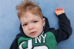 En gråt för behandla som ett barnpojke Royaltyfria Bilder