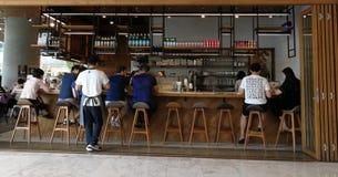 En grillad kaffekafeteria i Bangkok, Thailand Arkivbild