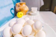 En grupp av ägg Arkivfoton