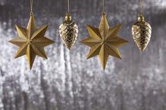 En grupp av jul sörjer kotten och stjärnan Royaltyfri Bild