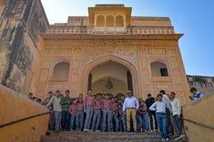 En grupp av studenter, Jaipur, Rajasthan royaltyfria bilder
