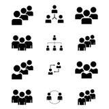 En grupp människor eller grupper av användare Plan symbol för vänvektor för applikationer och websites Svarta symboler på en vit  stock illustrationer