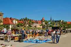 En härlig historisk marknad i Pszczyna, Polen royaltyfri foto