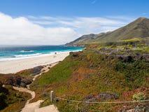 En härlig sikt av Kaliforniens kustlinje längs huvudväg 1, stora Sur Fotografering för Bildbyråer