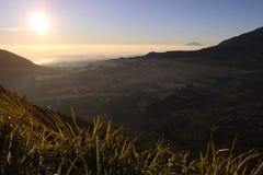 En härlig sikt från det Andong berget, Magelang, Indonesien royaltyfri fotografi
