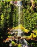 En härlig vattenfall på Pirenà ³polis Arkivbilder
