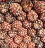 En hög av ananas tillsammans Royaltyfria Bilder