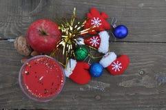 En hög av julferiebeståndsdelar Arkivfoton