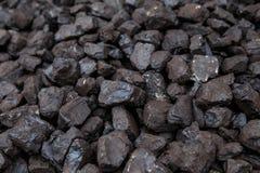 En hög av kol utanför royaltyfri bild