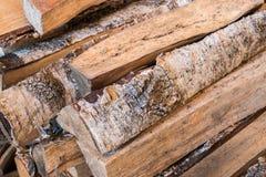 En hög av trä för brinnande ugn i bastu arkivfoto