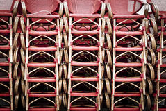 En hög av wood stolar Royaltyfri Fotografi