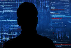 En hacker på arbete Arkivfoto