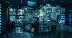 En hacker som tar fram till personlig information om data med en dator 3D Royaltyfri Foto