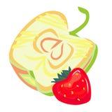 En halva av äpplet och en jordgubbe Arkivfoton