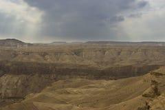 En Hemar flod i en israelisk öken Arkivbild