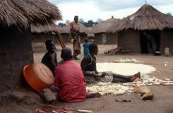 En by i nordliga Uganda. royaltyfri fotografi