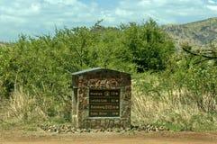 En indikativ skylt för sten i den Pilanesberg nationalparken Royaltyfri Fotografi
