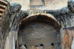 En inre sikt av Colosseum i Rome Royaltyfri Foto