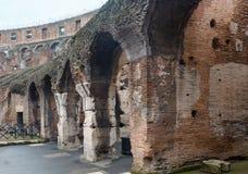 En inre sikt av Colosseum i Rome Royaltyfri Bild