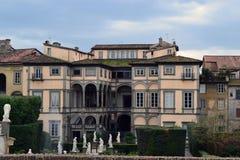En italiensk stilvilla Royaltyfria Bilder