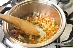 En italiensk tomatsås för matlagning Royaltyfri Bild