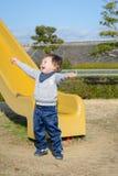 En jätteglad pojke Fotografering för Bildbyråer