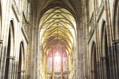 En katolsk kyrkainre, katolsk kyrka som är horisontal, religio Arkivfoto